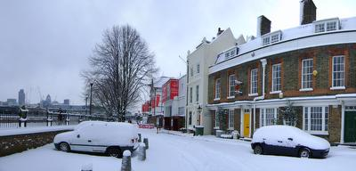 Photo of the buildings surrounding Cardinal Cap Alley covered in snow in Bankside, London, taken on 2009-02-02